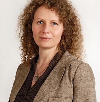 IKKE OVERRASKET:-Det handles og drikkes mye alkohol i julen, påpeker Hanne Cecilie Widnes fra IOGT. Foto: Presse