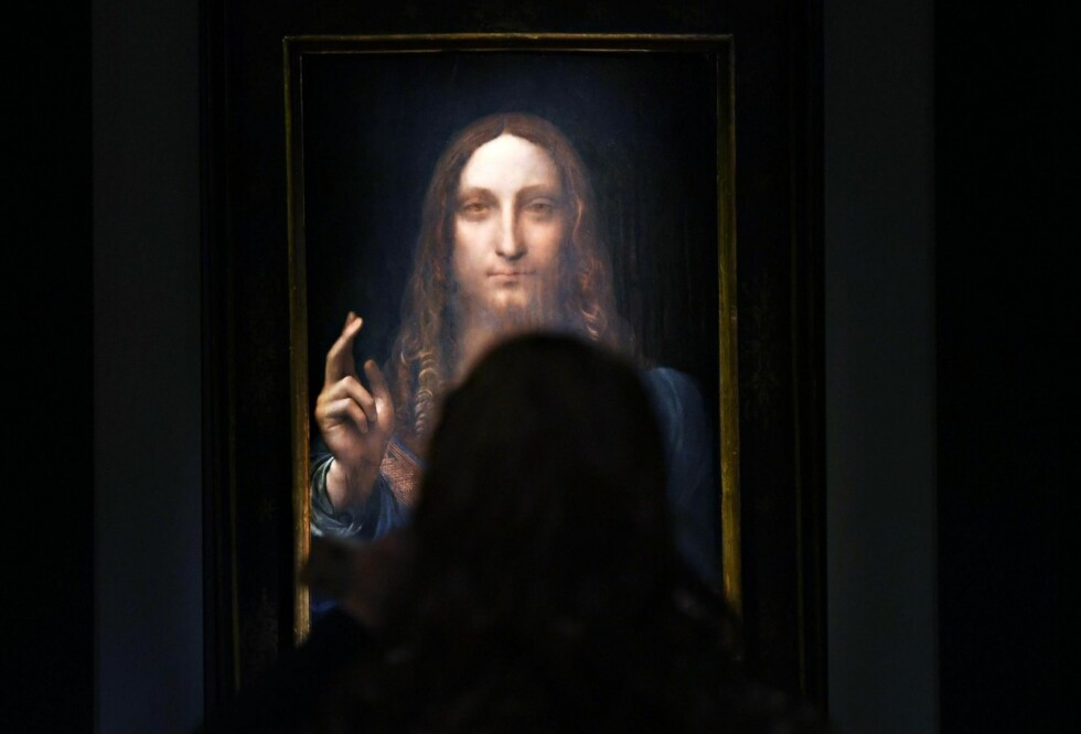 MØTE: Tuftebarten møtte Jesus på Ark Byporten i Oslo. Dette mennesket møtte Jesus i form av Leonardo da Vincis «Salvator Mundi», da det ble auksjonert ut på Christies i New York i november. Foto: NTB Scapix