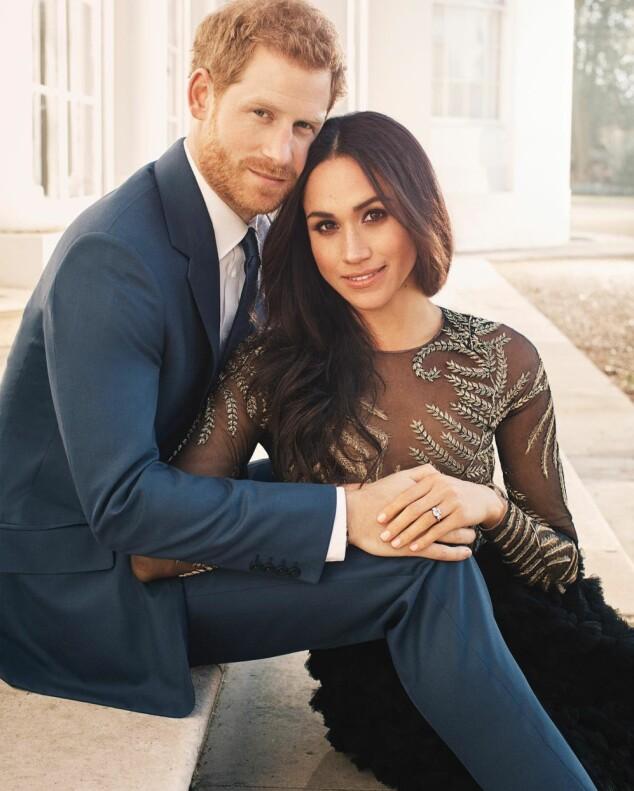 <strong>FORLOVET:</strong> Paret ser svært nyforelskede ut på de nye bildene. Foto: Alexi Lubomirski / Kensington Palace