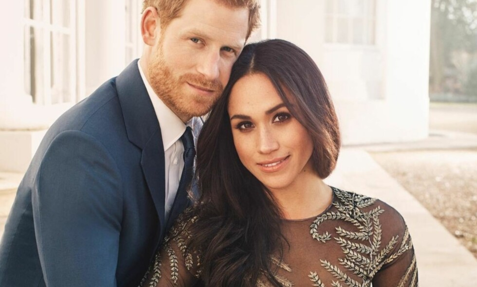 FORLOVET: Paret ser svært nyforelskede ut på de nye bildene. Foto: Alexi Lubomirski / Kensington Palace