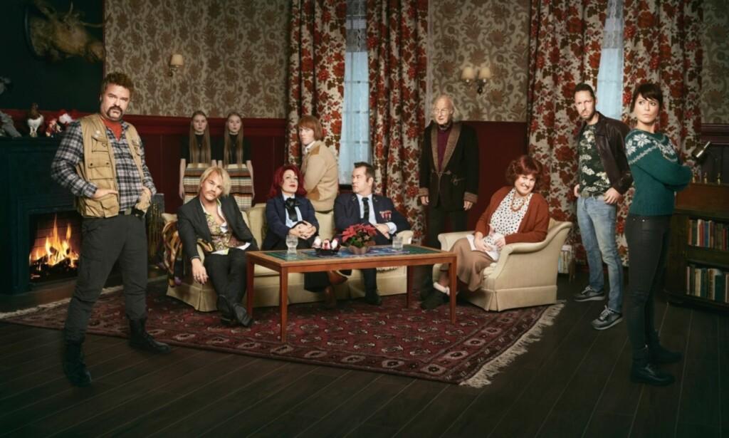 «JUL I BLODFJELL»: Fra høyre Atle Antonsen, Jon Øigarden, Lene Kongsvik, Kevin Vågenes, Trond Fausa Aurvåg og Ine Jansen. Foto: Anita Arntzen / TVNorge