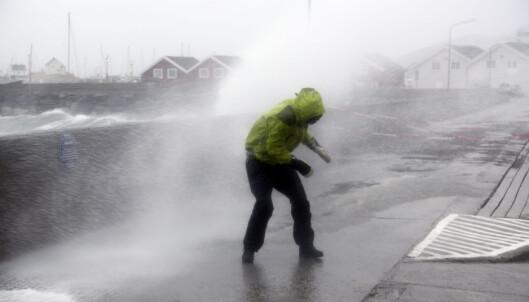 Ekstremværvarsel og vanskelige kjøreforhold: - Dra så fort som mulig