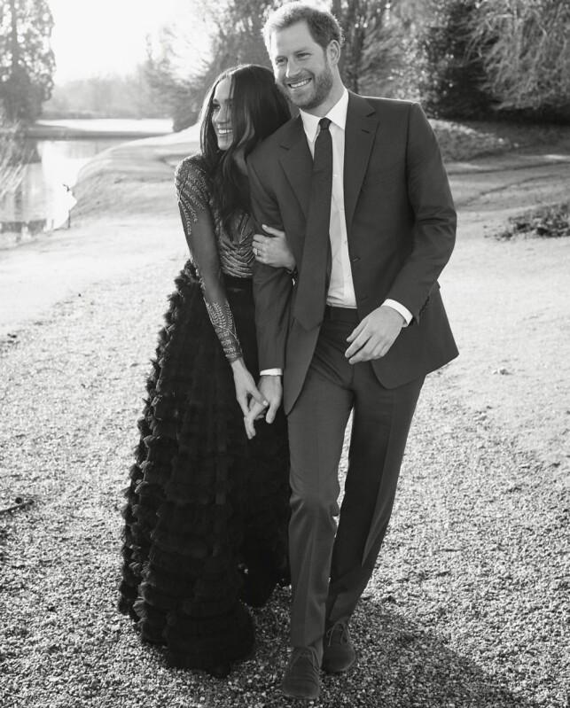 SMILER: Meghan Markle og prins Harry ser svært lykkelige ut. Foto: Alexi Lubomirski / Kensington Palace