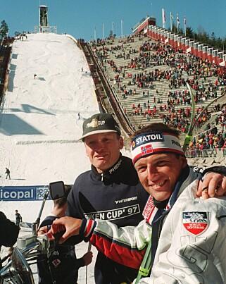 I GAMLEDAGER: Finn Christian Jagge og Tom Kristiansen i 1997. Foto: Jan Greve / NTB Scanpix