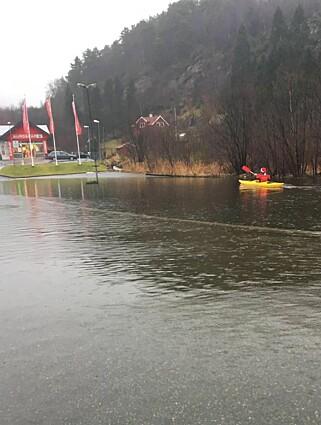 FLOM: Ekstremværet «Birk» har ført til store oversvømmelser mange steder i Rogaland og Hordaland. Foto: Privat