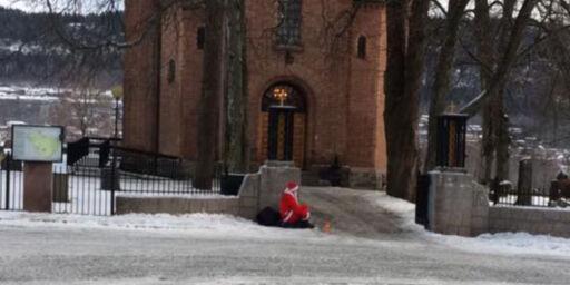 image: Tigger i nissedrakt vekker harme i Bærum