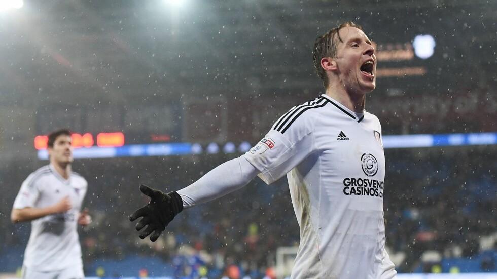 SCORET: Stefan Johansen scoret Fulhams siste mål i 4-2-seieren mot Cardiff. Foto. Ryan Browne / BPI / REX / Shutterstock / NTB Scanpix