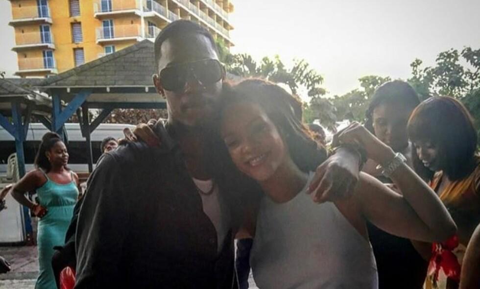 I SORG: Rihanna er i sorg etter at hun skal ha mistet fetteren i skuddrama første juledag. Foto: Instagram