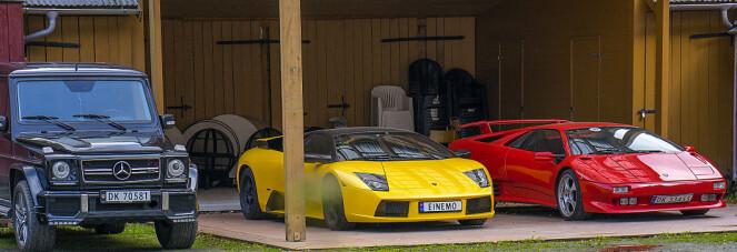 <strong>ITALIENSK BAKGÅRD:</strong> I bakgården står hotelldirektørens Lamborghinier utstilt. En 2002 Murciélango og en 1991 Diablo. Familiebilen er en Mercedes-Benz G-Klasse, med fireliters diesel V8. Foto: Paal Kvamme