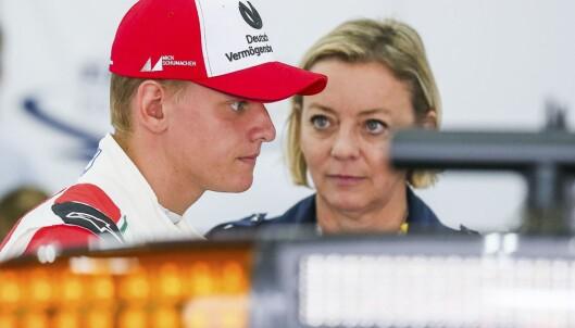MANAGER: Sabine Kehm, er sammen med Schumackers sønn Mick, som også er en lovende Formel 1-kjører. Foto: AFP PHOTO / POOL / STEPHANIE LECOCQ