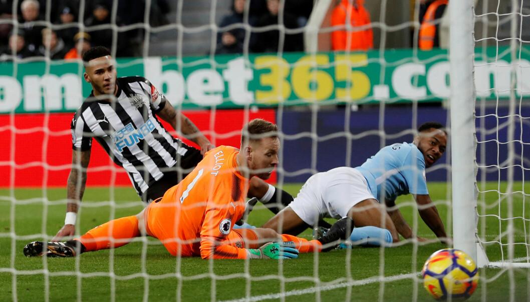 STRÅLENDE SESONG: Raheem Sterling scoret sitt trettende mål for sesongen mot Newcastle. Foto: Lee Smith / Reuters / NTB Scanpix