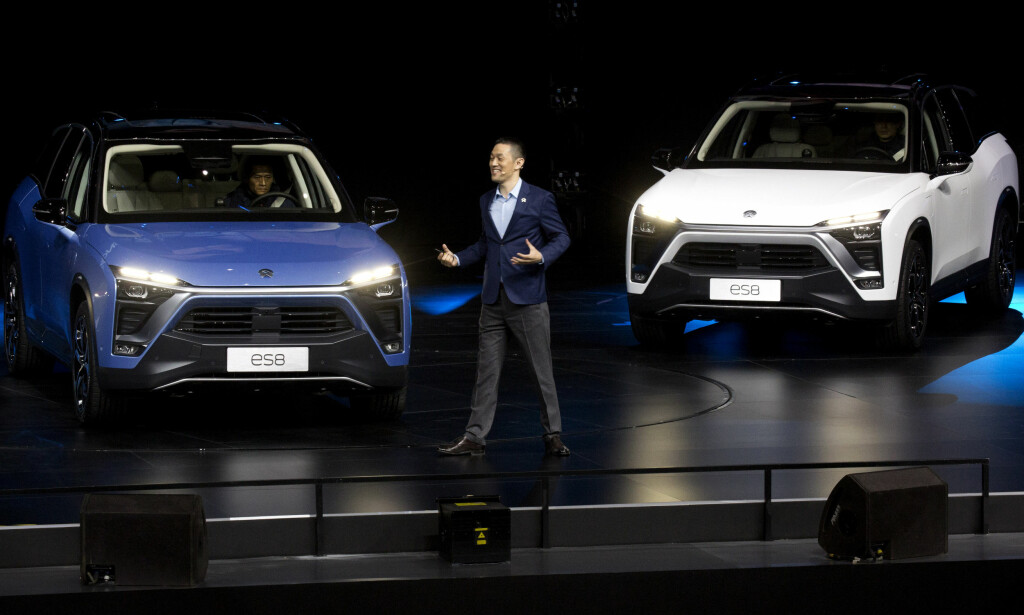 Nios svar på Elon Musk, William Li, lanserte den elektriske SUV'en ES8 electric SUV under en tilstelning i Beijing, lørdag 16 desember. Foto: AP