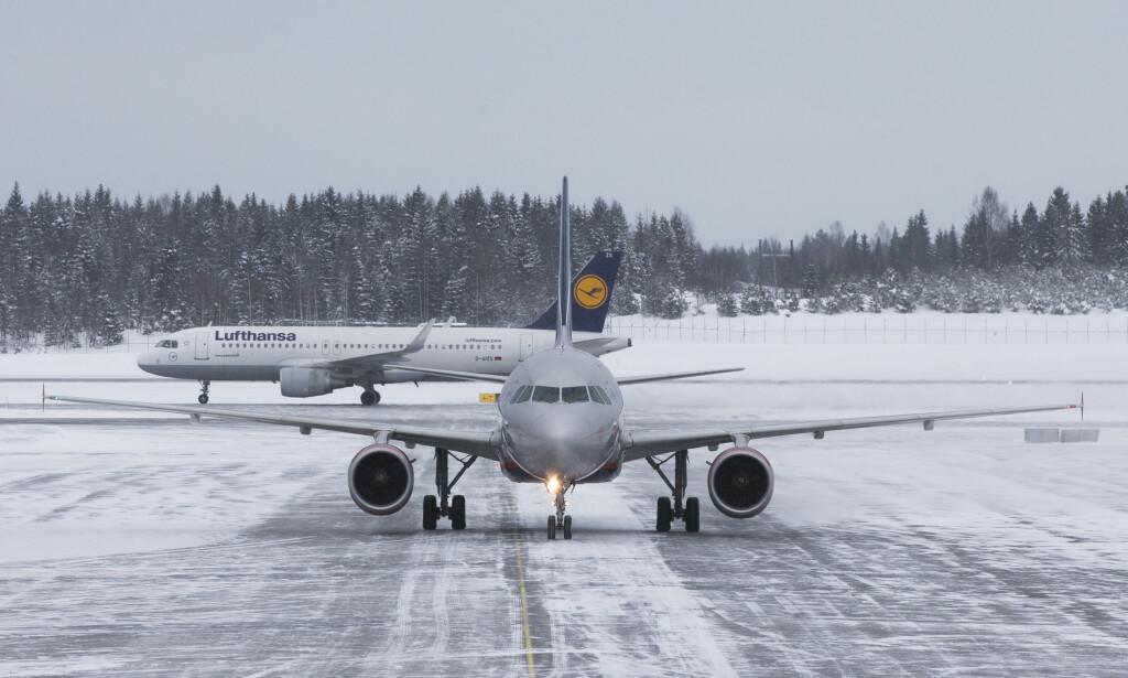 Illustrasjonsbilde. Vinterværet onsdag kan føre til noen forsinkelser i flytrafikken til og fra Oslo lufthavn. Foto: Berit Roald / NTB scanpix