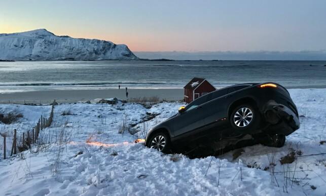 ENDTE I EN BEKK: Den finskregistrerte bilen. Foto: Arthur Pantalian Veines