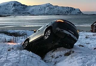 KJØRTE AV VEIEN: Den finskregistrerte bilen. Foto: Arthur Pantalian Veines