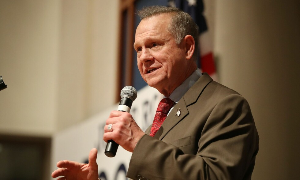 TAPTE: Republikaneren Roy Moore tapte mot demokraten Doug Jones i senatsvalget i Alabama 13. desember. Han misfornøyd med resultatet og kaller valget for «uredelig». Foto: NTB scanpix
