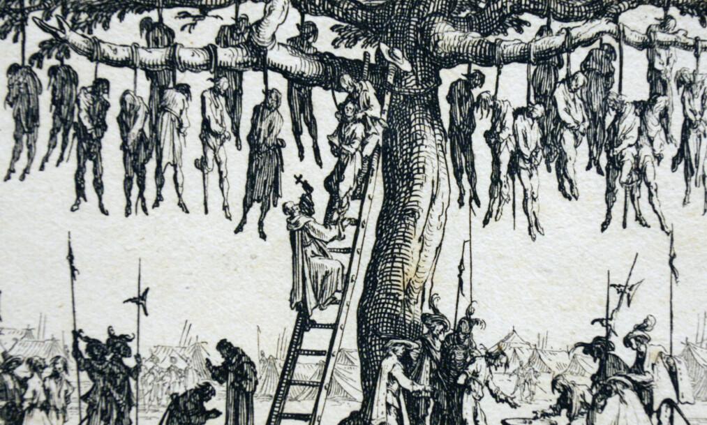 STERKE BILDER: Den franske kunstneren Jacques Callot (1592-1635) gjorde seg kjent som et øyenvitne til menneskenes ugjerninger. «Hengingen» (1633) er fra serien «Krigens elendighet». Jens Bjørneboe brukte dette kobberstikket på omslaget til romanen «Frihetens øyeblikk» (1966).