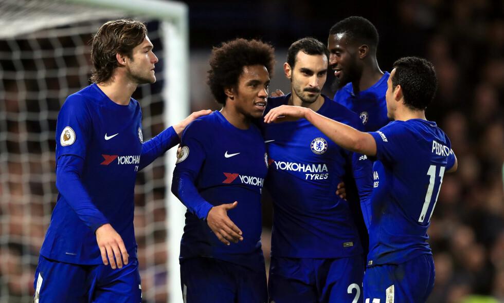 STRÅLTE: Willian strålte da Chelsea vant 5-0 over Stoke. Brasilianeren scoret 4-0-målet fra straffemerket. Foto: Mike Egerton / PA Photos / NTB Scanpix