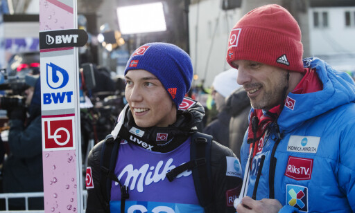 GLADE GUTTER: Johann André Forfang og Alexander Stöckl smilte bredt etter seieren. Foto: Terje Bendiksby / NTB Scanpix