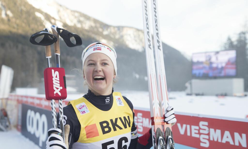 LEDER KLART: Men til tross for ledelsen vil ikke Ingvild Flugstad Østberg si at hun skal gå hele Tour de Ski ennå. Foto: Terje Pedersen / NTB Scanpix