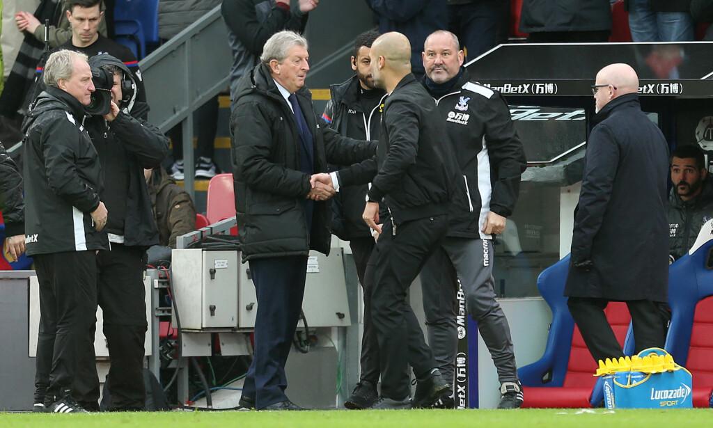 MÅLLØS: Pep Guardiola gratulerer Roy Hodgson etter Manchester City spilte 0-0 borte mot Crystal Palace. Foto: NTB Scanpix