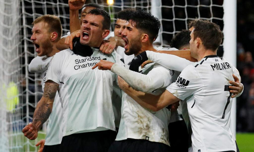 DEILIG: Ragnar Klavan og lagkameratene jubler for seiersmålet mot Burnley. Foto: REUTERS/Phil Noble
