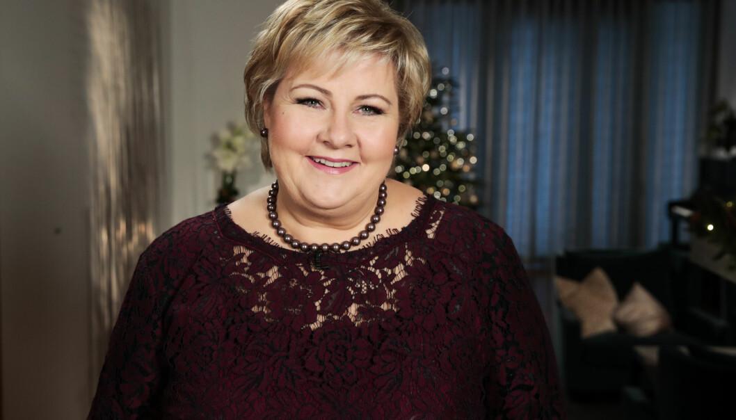 ADVARER: Statsminister Erna Solberg advarte mot falske nyheter og svekkelsen av redigerte medier da hun holdt nyttårstalen i statsministerboligen i Oslo. Foto: Lise Åserud / NTB scanpix