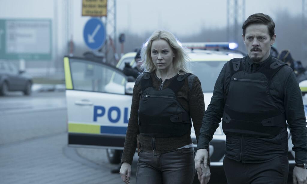SPENNING: Sofia Helin og Thure Lindhardt i en scene fra den nyeste «Broen»-sesongen. Foto: Jens Juncker-Jensen / Filmlance/ Nimbus