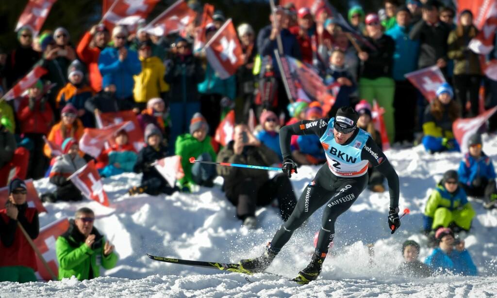 FOLKEFEST: Plutselig var langrenn stort igjen i Sveits. Suksessen i Tour de Ski har løftet sporten etter flere år med for mange norske seire. FOTO: AFP / Fabrice Coffrini
