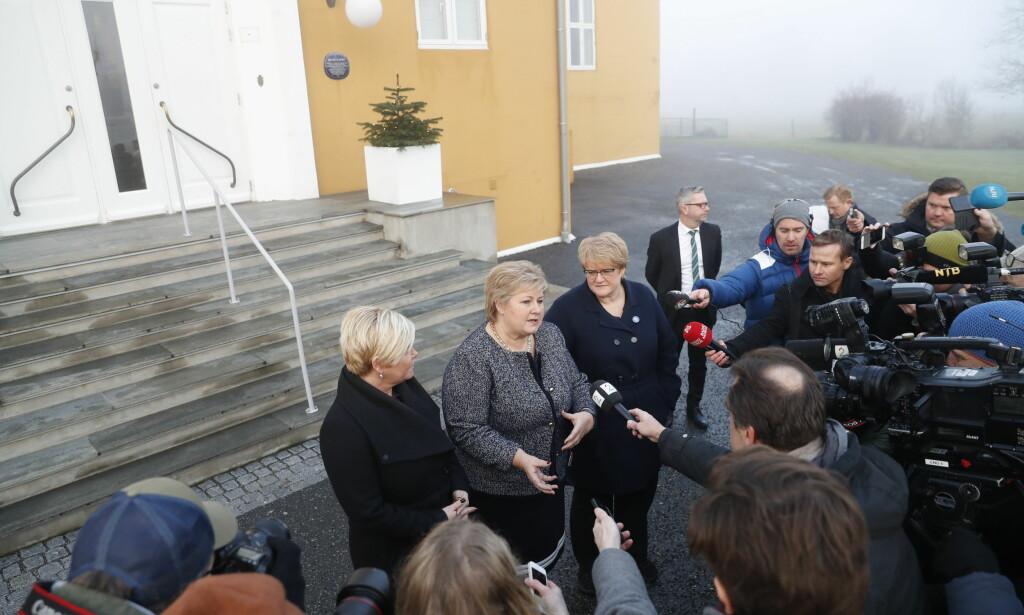 FORHANDLINGER: De borgerlige partiene samlet til regjeringssamtaler på Hotel Jeløy Radio. Foto: Bjørn Langsem / Dagbladet