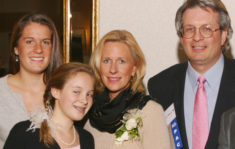 TRUE CRIME: Sommeren 2007 mistet doktor William A. Petit Jr. sin kone Jennifer Hawke-Petit og to barn Hayley (øverst t.v.) og Michaela. FOTO: NTB Scanpix