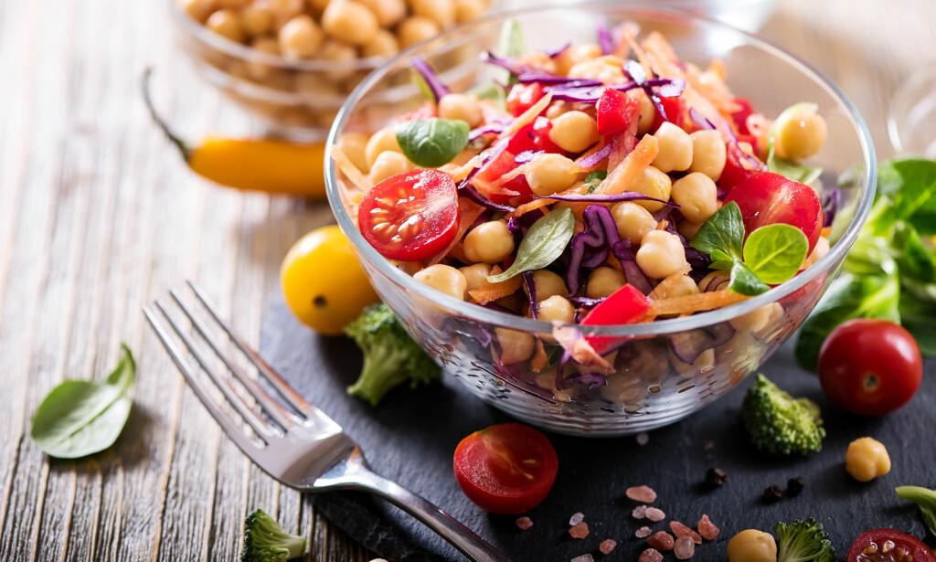 MATTRENDER I 2018: - Trendene nå er vegetar- og bærekraftig mat, med et større innslag av grønnsaker, sier divisjonsdirektør i Helsedirektoratet, Linda Granlund. (Foto: Saschanti17 / Shutterstock / NTB scanpix)