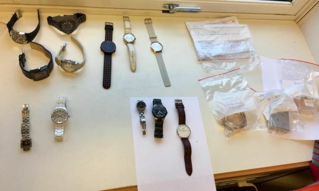 KLOKKER: Flere klokker ble stjålet fra villaene i Rogaland. Cecilie Steen forteller at politiet fortsatter sitter på en del tjuvgods som ennå ikke er blitt tilbakelevert.