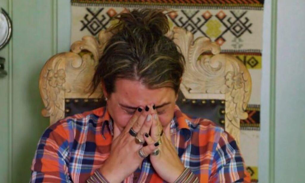 image: Erlend Elias stoppet «Farmen»-innspillingen. Brøt sammen