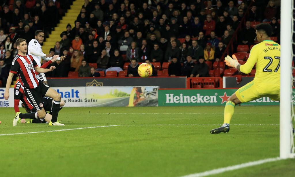 HATTRICK: Ryan Sessegnon setter inn et av sine tre mål mot Sheffield United i 5-4-seieren. Foto: Matt West/BPI/REX/Shutterstock/NTB Scanpix