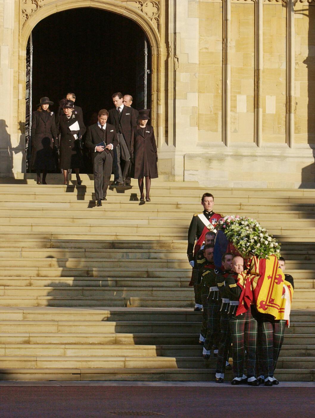 <strong>BEGRAVELSE:</strong> Den 15. februar 2002 ble prinsesse Margaret gravlagt fra St George's Chapel ved Windsor slott. Hun ble 71 år. Foto: NTB Scanpix