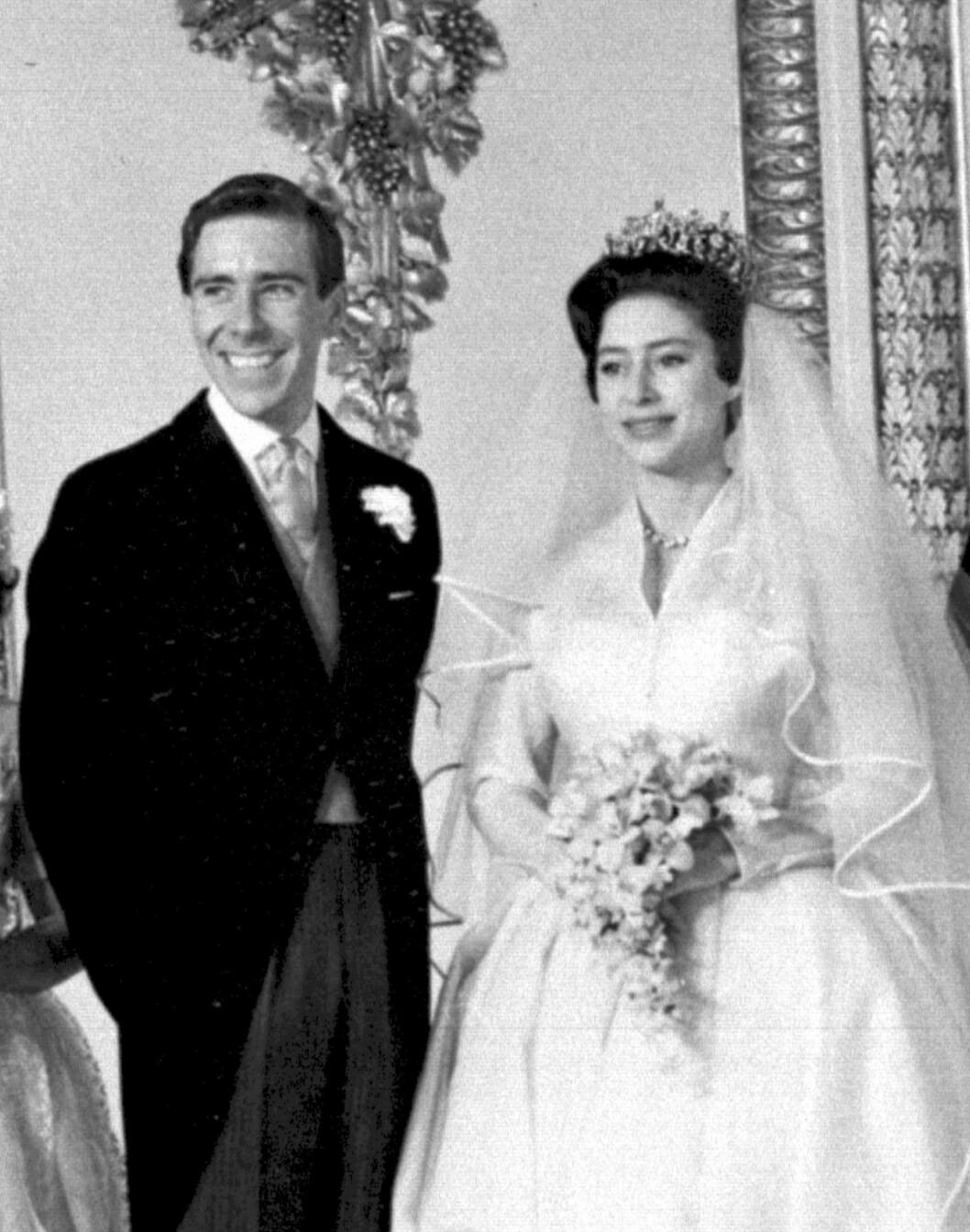 <strong>EKTESKAP:</strong> Ekteskapsinngåelsen mellom Margaret og Antony var det første kongelige bryllupet som ble sendt på TV. Foto: NTB Scanpix