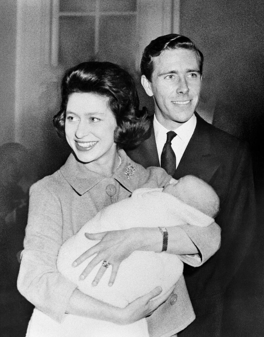 <strong>FORELDRE:</strong> Prinsesse Margaret og Lord Snowdon ble foreldre til David i november 1961. Tre år senere kom Lady Sarah til verden. Foto: NTB Scanpix