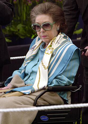 <strong>HJERNESLAG:</strong> De siste årene av livet sitt satt prinsesse Margaret i rullestol etter et hjerneslag. Hun gikk bort 9. februar 2002. Foto: NTB Scanpix
