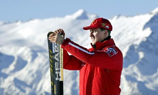STO PÅ SKI: Michael Schumacher var glad i å kjøre slalåm, men en dag var altså uhellet ute. Dette bildet er fra 2003. Foto. AFP PHOTO / VINCENZO PINTO