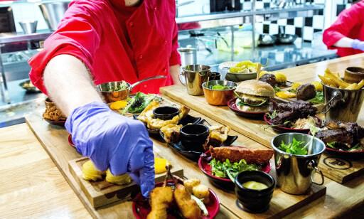 SMÅFIKST: På Pincho Nation bestilles all maten vi en app på mobilen.