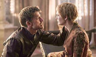 SØSKENKJÆRLIGHET: Jaime og Cersei Lannister har stått sammen gjennom tykt og tynt. I siste episode fra forrige sesong valgte imidlertid Jaime å forlate King's Landing, der gravide Cersei befinner seg. Foto: HBO
