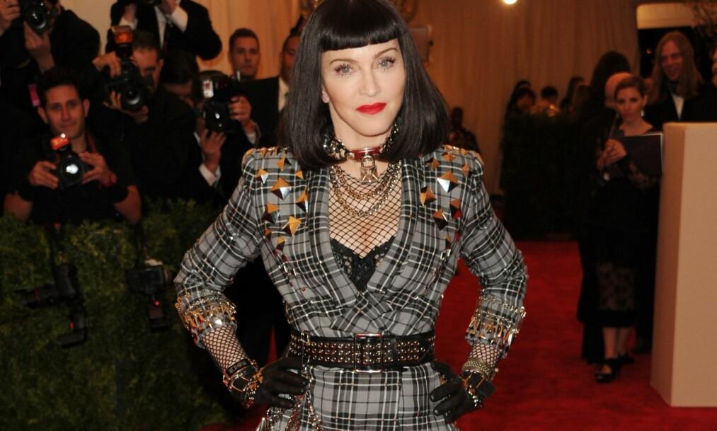 VIL SELGE MADONNAS TRUSER: En tidligere kjæreste av popikonet hevder han fikk et par brukte truser i gave fra Madonna på 1990-tallet. Her er popstjernen avbildet på MET-gallaen i 2013. Foto: Invision/ NTB scanpix