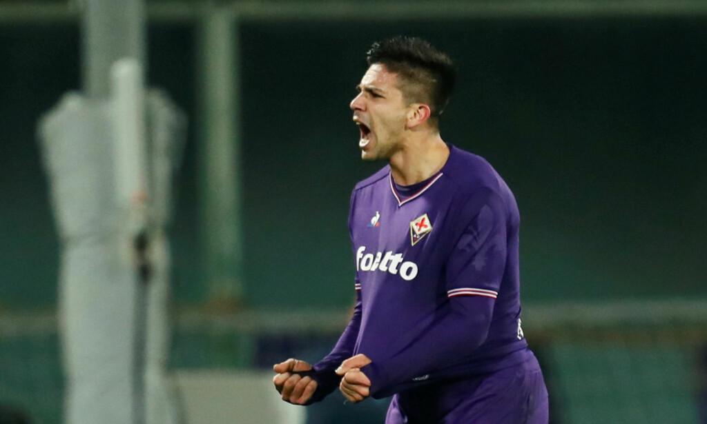 BERGET UAVGJORT: Giovanni Simeone reddet 1-1 for Fiorentina. Foto: REUTERS/Alessandro Garofalo
