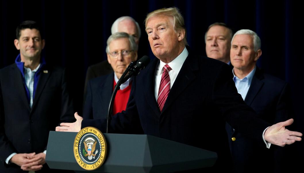 KRITISK: Donald Trump holdt en pressekonferanse på Camp David fredag. Der gjentok han kritikken mot forfatteren av boka «Fire and Fury», og understreket igjen sitt eget syn på egen intelligens. Foto: Yuri Gripas / Reuters