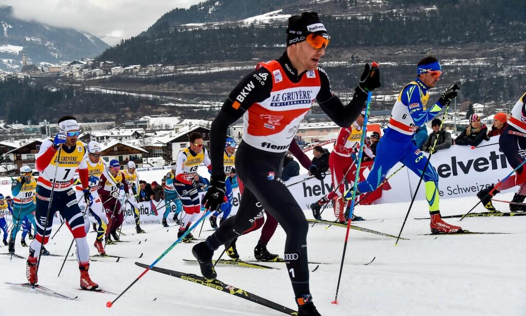 STIKKER FRA NORGE: Dario Cologna tok med seg en gjeng toppløpere som utklasset Norges beste på paradedistansen vår 15km klassisk i Tour de Ski i går. I dag vinner den råsterke sveitseren Touren sammenlagt, men OL blir likevel en helt ny konkurranse. FOTO: AFP/ Andreas SOLARO