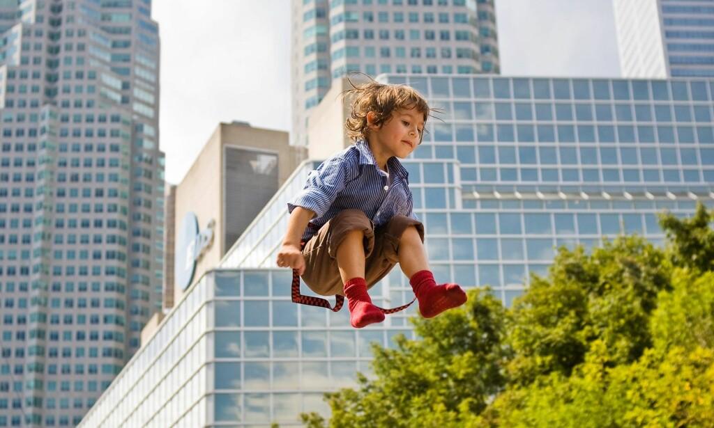 HØY TRIVSEL: Barnefamilier ønsker å være i byen, og med god planlegging er deres behov mulig å innfri. Bildet er tatt i Toronto. Foto: Foto: Kevin White / flickr