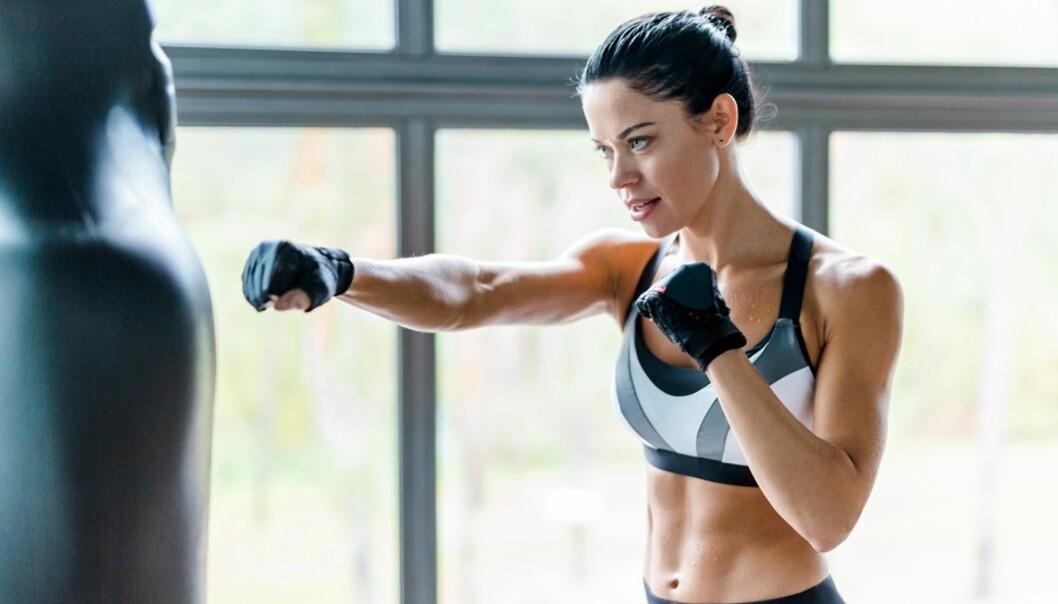 BOKSING: - Boksing som treningsform kan øke flere fysiske kapasiteter sammenlignet med løping, spesielt fordi kroppen er mer aktiv i boksing og inkluderer både armer og bein.