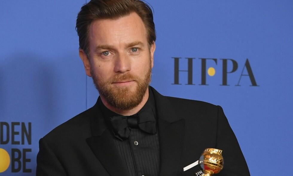 VANT PRIS: Ewan McGregor kunne ta med hjem Golden Globe-trofeet natt til mandag. Fra scenen takket han både ekskona og sin nye flamme. Foto: NTB scanpix