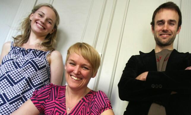 GIFT MED PREST: Sofia Helin er gift med den tidligere skuespilleren Daniel Götschenhjelm (49), som nå jobber som prest i Sverige. Her sammen med teaterregissør Maria Blom i 2006. Foto: NTB Scanpix